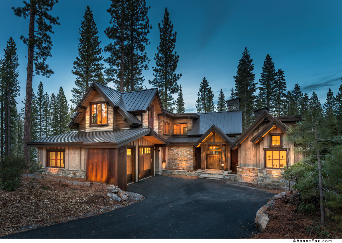 Mountain Traditional Architectural Design Montana Timber